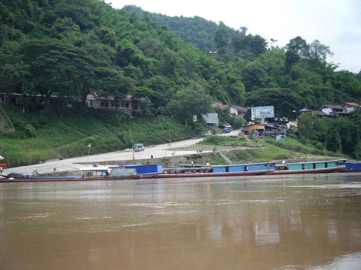Chiang Mai to Laos slow boat budget river travel http://www.nomadgirl.co/laos-travel/