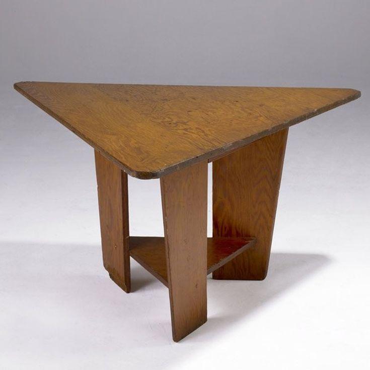 172: FRANK LLOYD WRIGHT Triangular plywood table