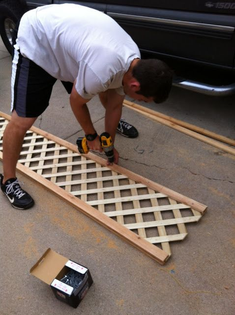 I MIGHT be able to do this....//The Happy Homebodies: DIY: Custom Garden Fence