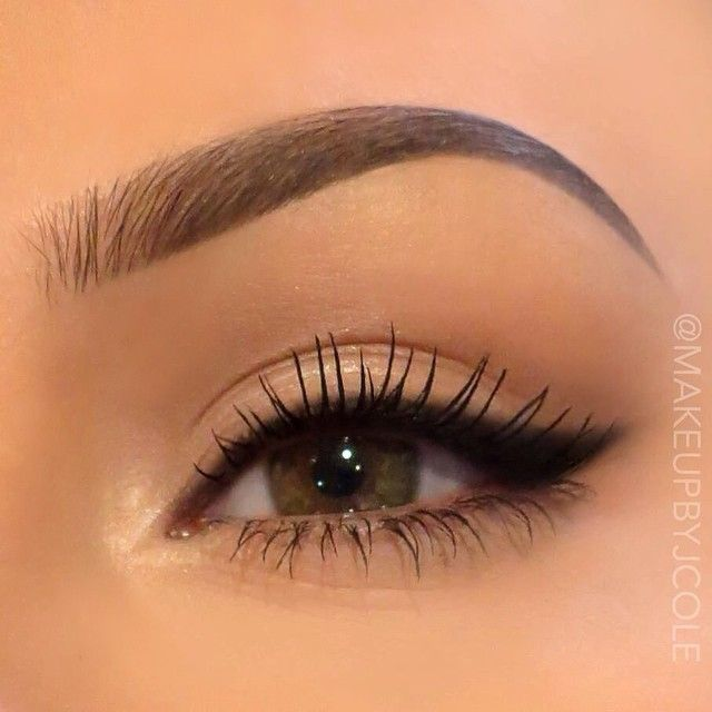 Very much into the no shadow and lots of lashes look with defined liner and brows