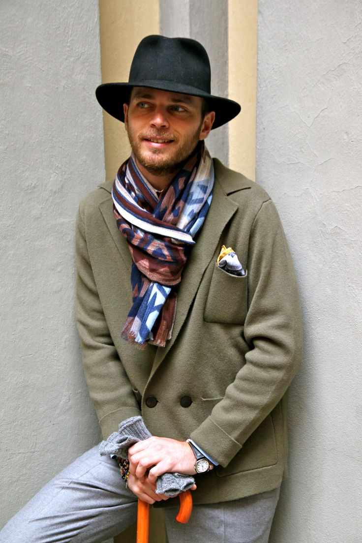 thepuertoricansocialclub:    Luca Rubinacci.  What scarf are you wearing today?
