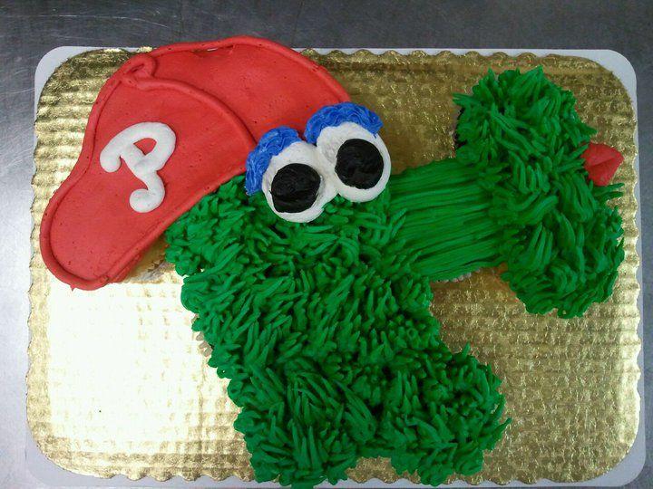 Phanatic cupcake cake