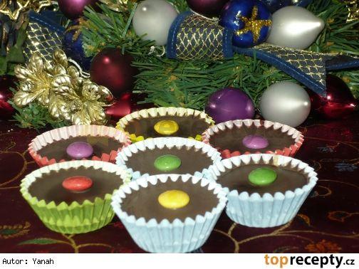 Čokoládové košíčky s orechovo kávovou plnkou /Čokoládové košíčky s orechovo-kávovou plnkou