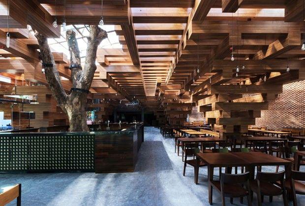 Cheering Restaurant, Hanói, Vietnã - by Doan Thanh Ha e Tran Ngoc Phuong, do escritório H&P Architects
