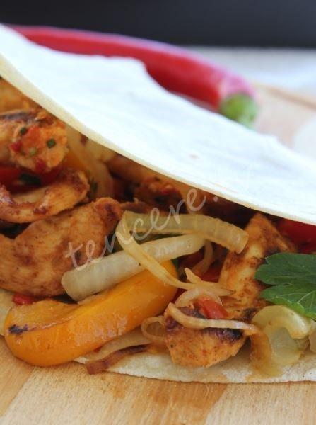 Kolay Tavuk Fajita tarifi