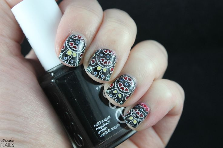 Nerdic Nails. Stamping decals with MoYou London Scandi 06 -plate.