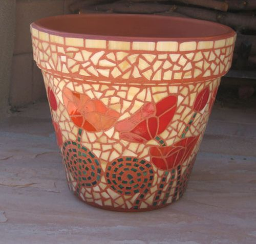 Mosaic Garden Pot by Tucson Pepper, via Flickr
