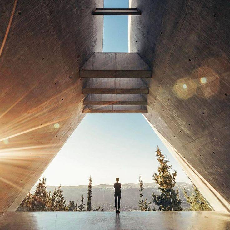 37 best images about architecture of yad vashem on pinterest for Balcony origin
