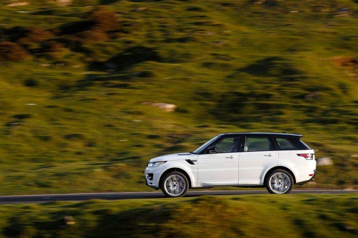 Technische Basis: Das Sportmodell basiert auf dem großen Bruder Range Rover....