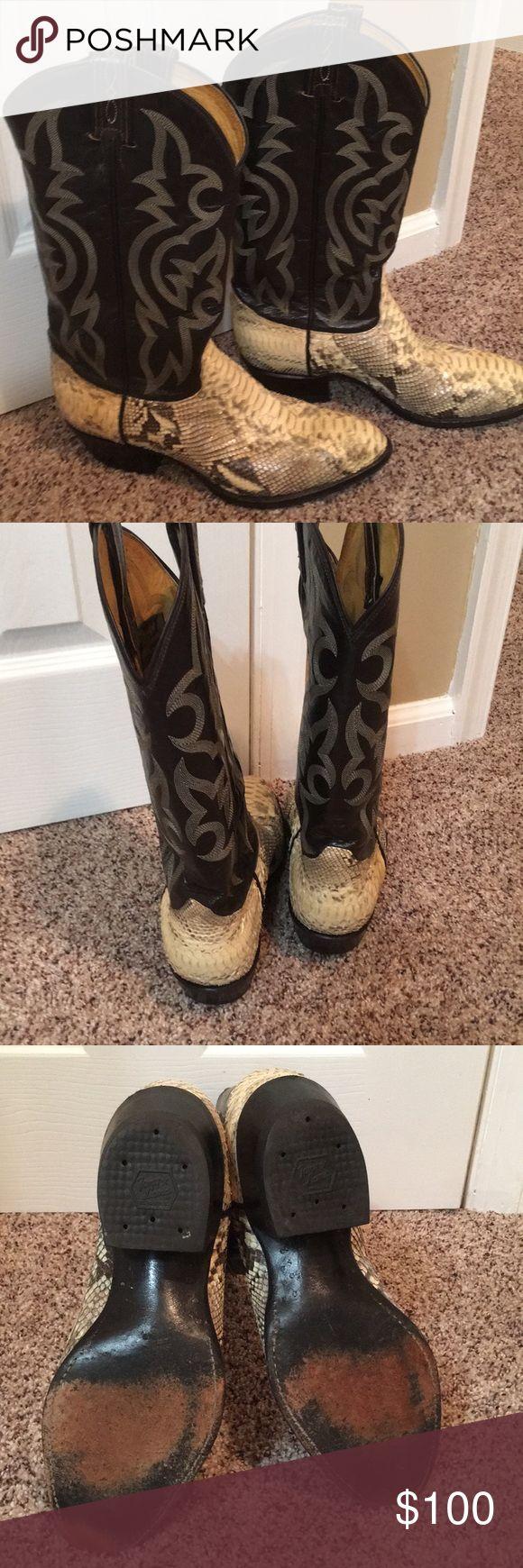 Tony Lama boots Tony Lama Snakeskin cowboy boots size 7 1/2 EE Tony Lama Shoes Cowboy & Western Boots