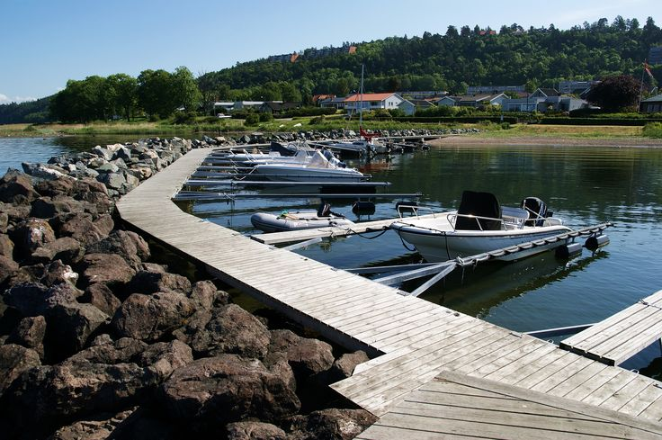 Our private pier that is available for all of our guest eveyday. Summer at Hotell Refsnes Gods in Norway.