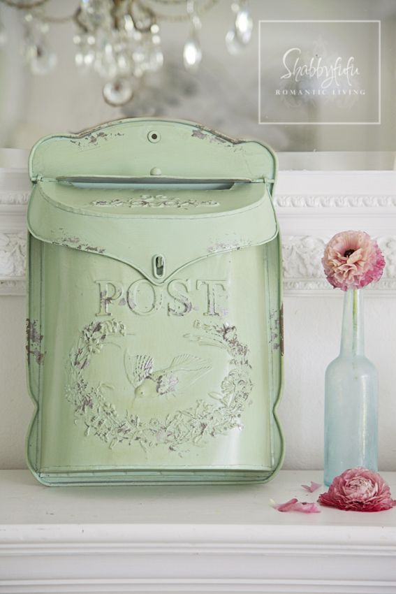 Darling vintage post box in minty aqua blue green | Source at Shabbyfufu @shabbyfufu