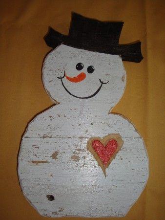 sneeuwman met hart, van verweerd meubelhout