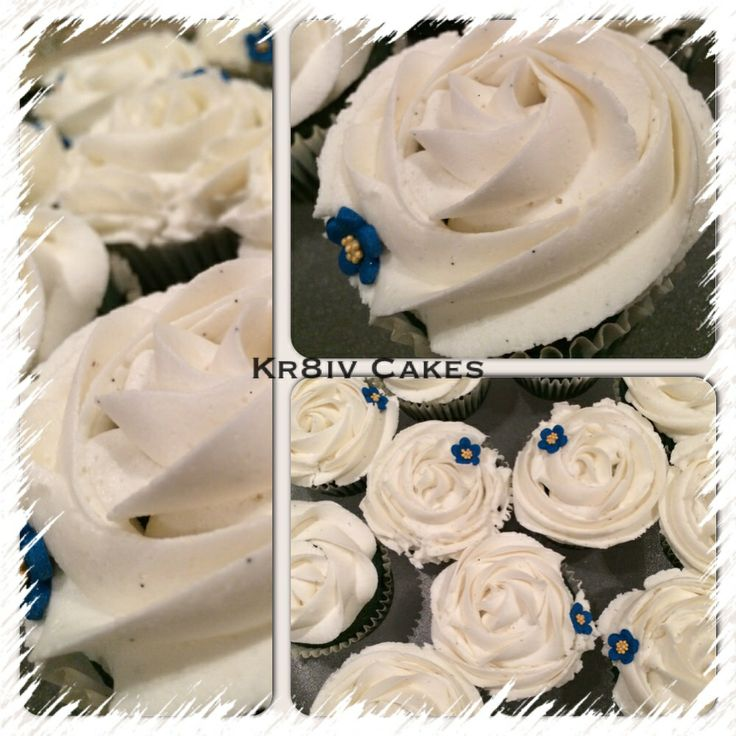 Blue velvet cupcakes with vanilla frosting