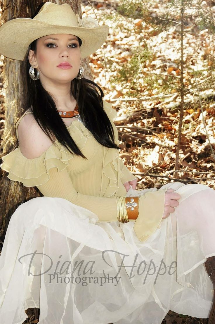 Tennessee Cowgirls~ Diana Hoppe Photography Winter Wheat~ Josey  Looking for an Amazing Photographer in the Tennessee and surrounding areas ... Diana Hoppe Photographer! Checkout her FB page & www.dianahoppephotography.com  Tennessee Cowgirls look no further !  Cowgirl/Model: Josey