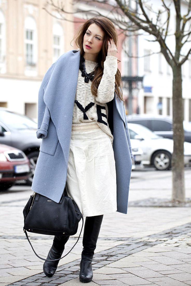 #oversizecoat #midiskirt #sweater