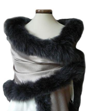 Edition LESSisRARE-Etole de fourrure et soie réversible gris  écru. Grey fur shawl