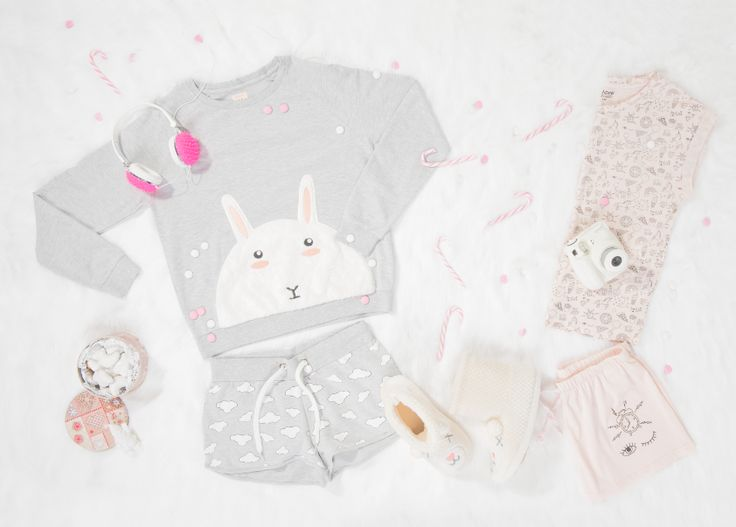 WINTER_HUGS_COLLECTION_CROPP_ACC