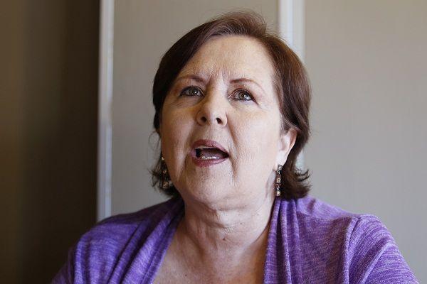 """La excandidata independiente Ana Teresa Aranda Orozco, se mostró a favor de que el Partido Compromiso por Puebla (CPP) pierda su registro como instituto político estatal, luego de que este apenas lograra superar por tres centésimas el porcentaje mínimo (3 por ciento) de la votación valida emitida, requisito para conservar dicha denominación.  Aranda Orozco, confió en que el Partido Movimiento de Regeneración Nacional (MORENA), cumpla con """"su palabra"""" y recurra al Tribunal Electoral del…"""