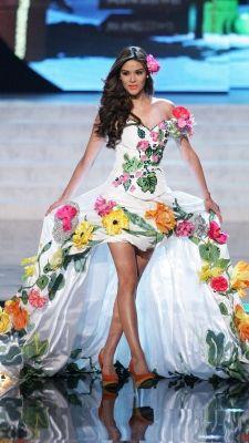 Miss Universe 2012 National Costumes: El Salvador
