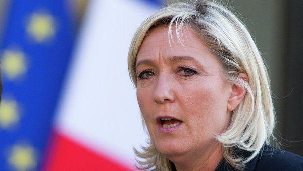 ТВ: Нацфронт лидирует в семи из 13 регионов французской метрополии | РИА Новости