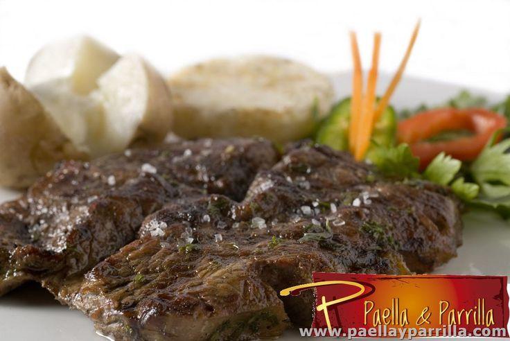 PARRILLA Cortes medios •Punta de anca •Churrasco •Solomito baby •Costilla de cedro BBQ •Pollo