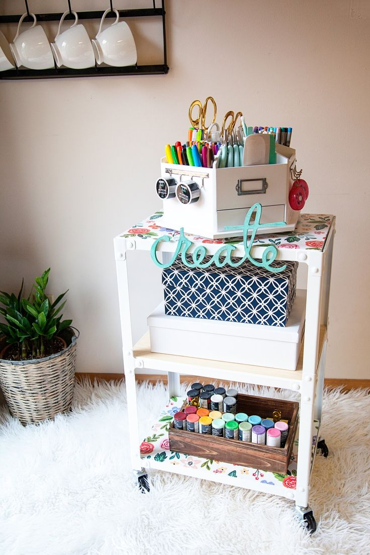 DIY Creative Art Station From MichaelsMakers Whipperberry