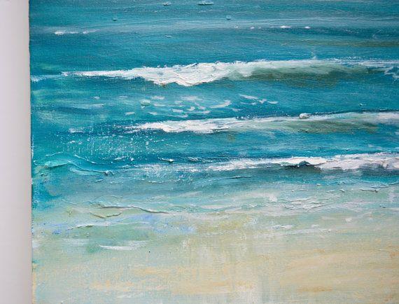 Original peinture à lhuile / / « Salé Blues » 20 x 20 sur la toile par Katie Jobling  Jai utilisé la peinture à lhuile pour créer une texture épaisse pour les nuages et les vagues. Jai aussi utilisé un couteau pour donner à la plage une texture sableuse, grattage peinture légère sur toute la surface. Jaime la peinture à lhuile pour ses couleurs vives, qui ne se fanera.  Cest livré prêt à accrocher et expédiés dans un emballage sûr et jolie. Signé sur le devant et daté au dos.  Nhési...
