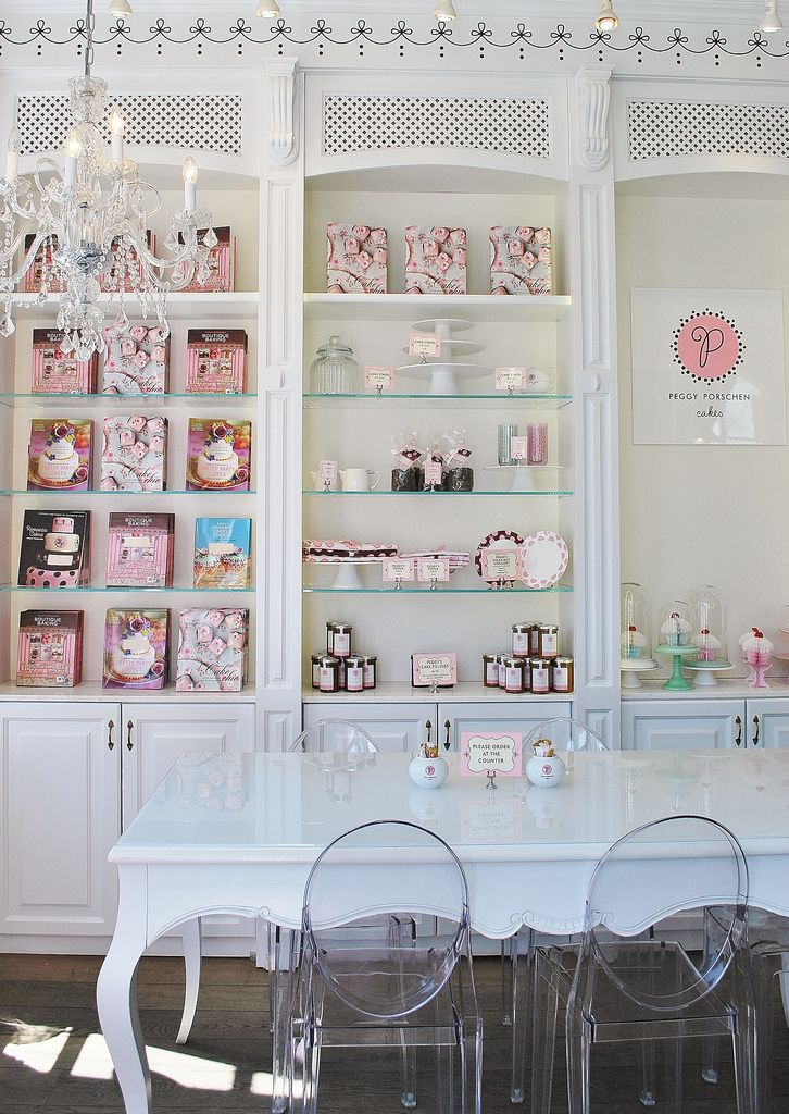 peggy porschen cakes. i think i'm going to spend all of my free time here.