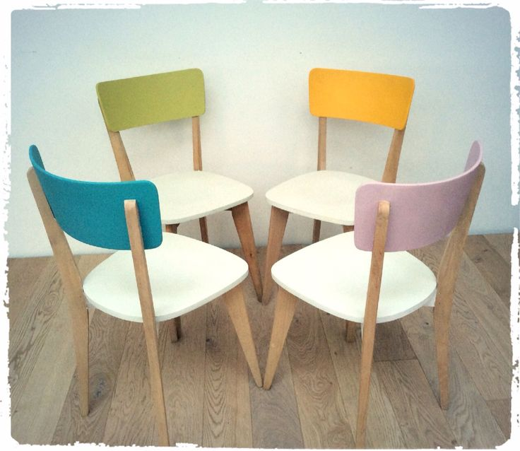 Nice way to restore vintage wood chairs painting them with pastel colors
