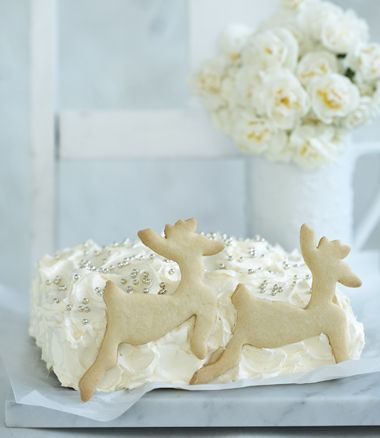 Reindeer Cake recipe, brought to you by MiNDFOOD.