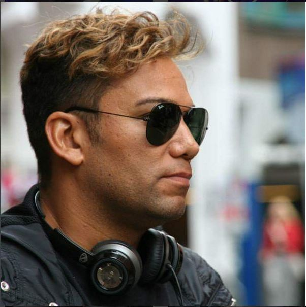 I really see Michael Jackson in this picture of Taryll. The profile, the nose, cheekbones, the chin...it's Michael. The aviators too. He's like MJ with a hipster haircut. I love it.