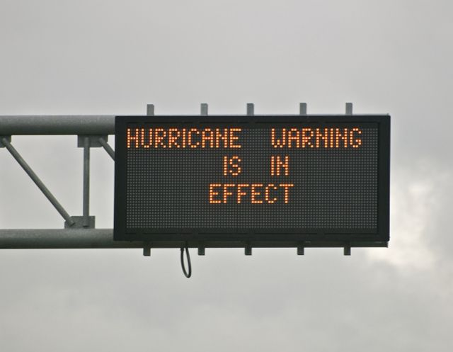 What to do before and during a hurricane onstarconnections.com | #hurricane #safety #tips #travel #drive #weather #onstar