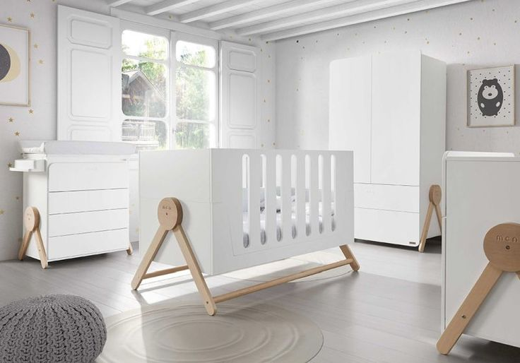 Micuna's multifunctional crib turns into a kid's bed @micuna