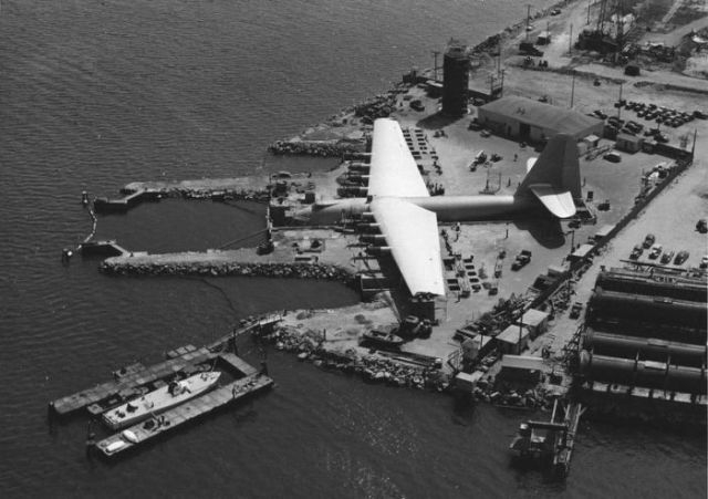 Vintage Photos of The Hughes H-4 Hercules - The Largest Flying Boat Ever Built