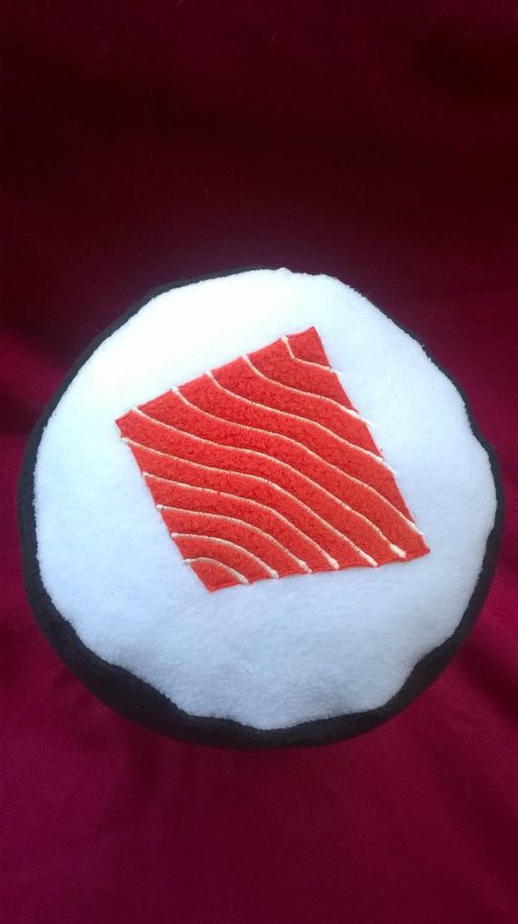 Cuscino di salmone maki roll sushi di mojomonsterdesigns su Etsy