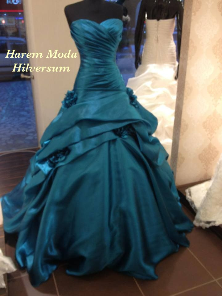 65 best Ballkleider images on Pinterest | Ball gowns, Prom party ...