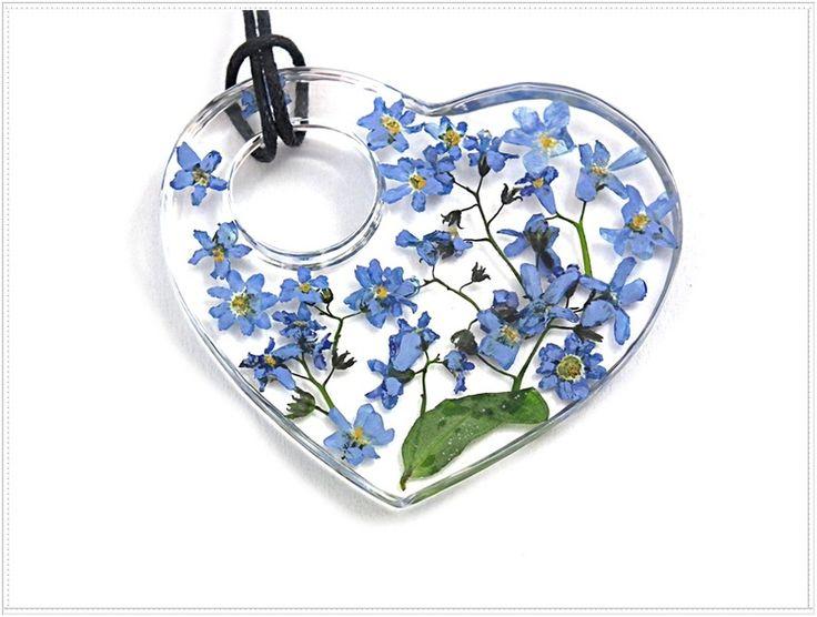 Niezapominajki w żywicy_d282. Resin jewelry. w Flowery Inspirations na DaWanda.com