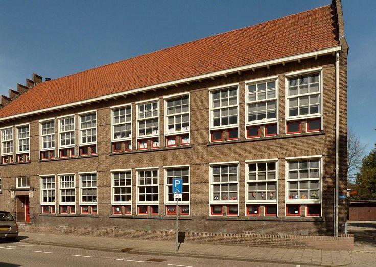 Rooms-Katholieke school, Hengelo ©Steven van der Wal