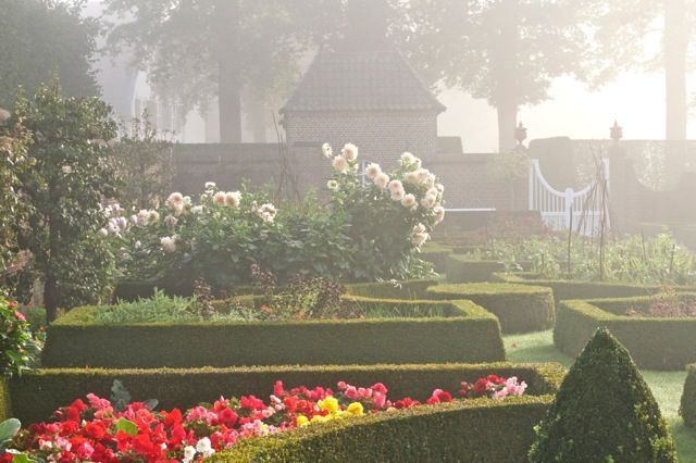 Baest. The flower garden.
