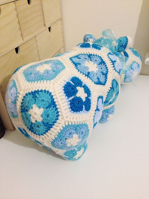 Free Crochet Hexagon Hippo Pattern : Die besten 17 Bilder zu Crochet - African flower auf ...