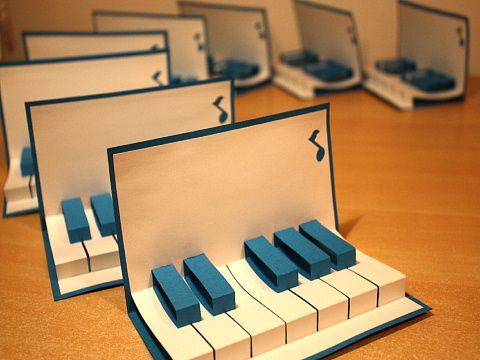 ピアノの鍵盤風カード : お手本にしたい!素敵なアイデアの手作りカード画像まとめ - NAVER まとめ