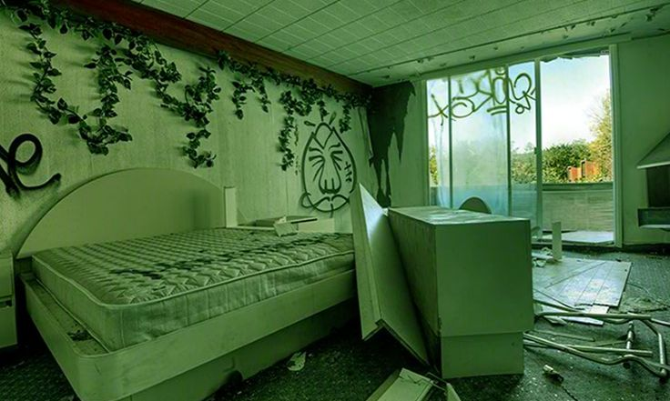 Abandoned Penn Hills Resort Escape game online in EightGames. We are planning to visit the Penn Hills Resort and got locked inside. Please save us.