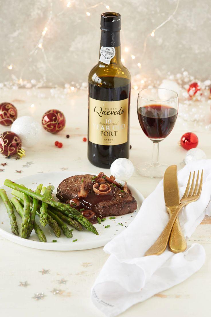 Eem heerlijk kerstrecept voor 4 personen. Hertenfilet in rode portsaus, dat wordt smullen.  http://www.wijngekken.nl/2016/12/23/kerstrecept-met-hertenfilet/  #quevedo #jumbo #kerstrecept