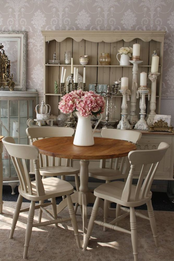 Charmant Shabby Chic Round Dining Table And 4 Chairs. Love Those White Candle Sticks  In Background.