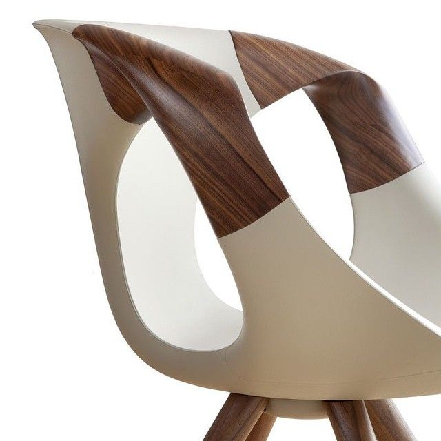 Up wood chair by Tonon Design: Martin Ballendat  #chair #design #furniture #furnituredesign #italiandesign #Americanwalnut #chairporn #walnut #Tonon