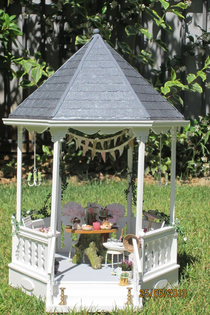 There Is A Party In The Gazebo Dolls House Miniature Sold