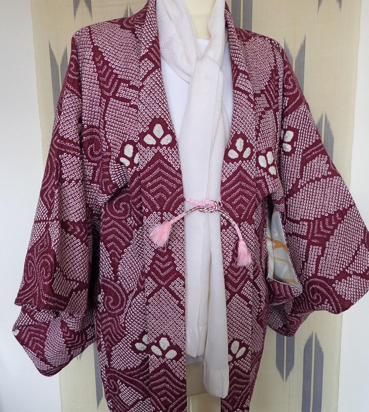 H165 Japanese pure silk vintage haori jacket; Doric Diva! Shibori ;hand made; soft; chic and fashionable! Med/Lge by LizzieHuxtable on Etsy