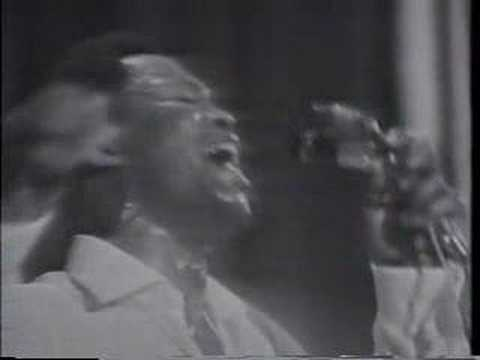 "Sam & Dave's ""When Something is Wrong with my Baby"" from Stax Revue 1967"