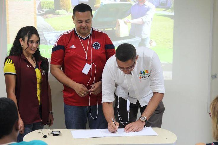 Corpoguajira firmó acuerdo para educación ambiental http://www.hoyesnoticiaenlaguajira.com/2017/09/corpoguajira-firmo-acuerdo-para.html